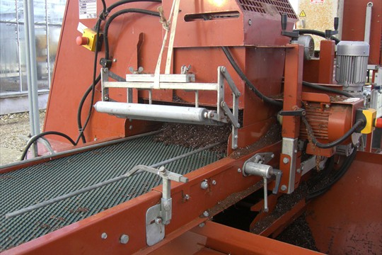 Liner potting machine